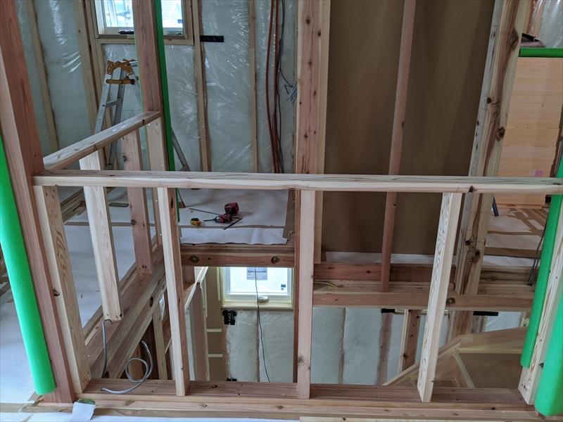 2Fリビング階段壁工事中